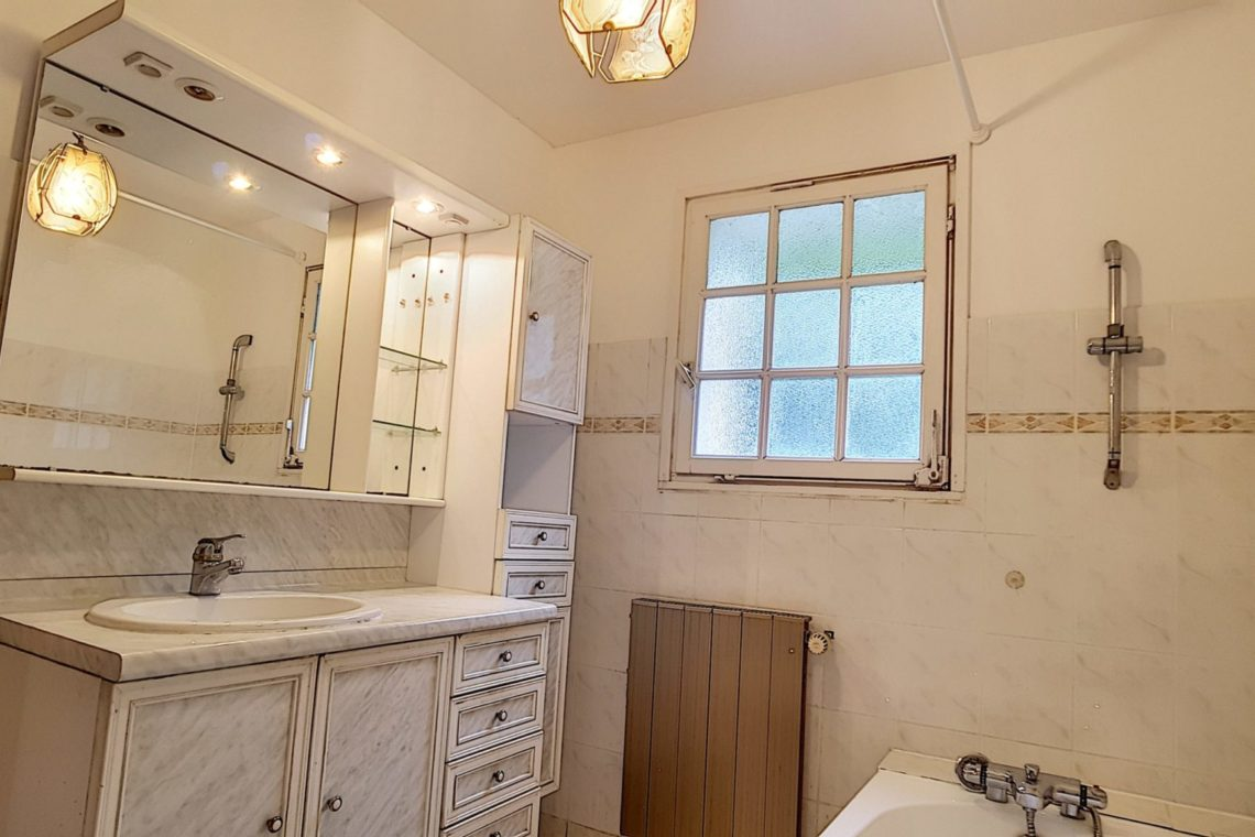belle ile en mer maison 0367 salle de bains