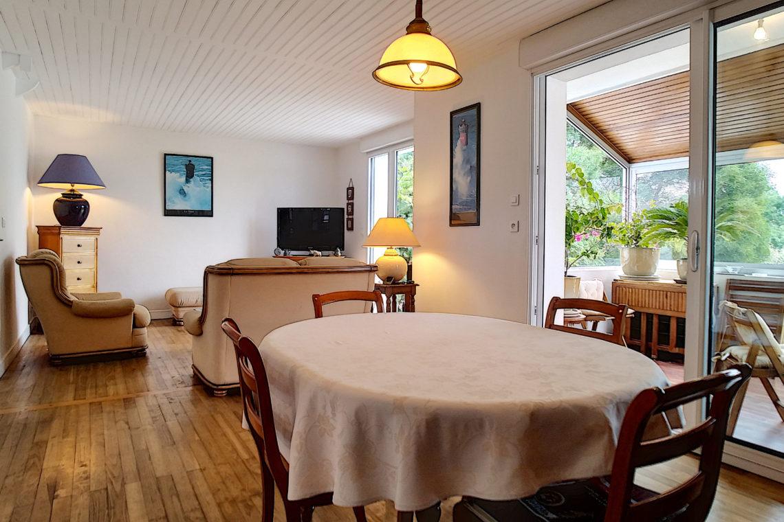 belle ile en mer salle à manger maison 0105